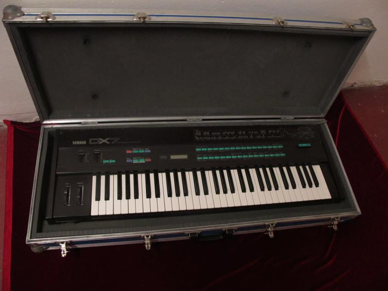 HARDCASE for YAMAHA DX7 series SLEVA!