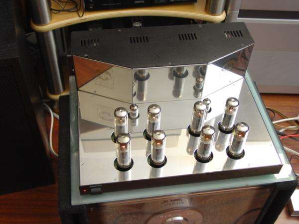 Velleman K4000a Stereo Vacuum Tube Amplifier
