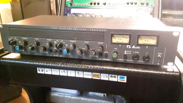 TL-Audio-C-1-Dual-Channel-Valve-Mic-Pre-Compressor  TL-Audio-C-1