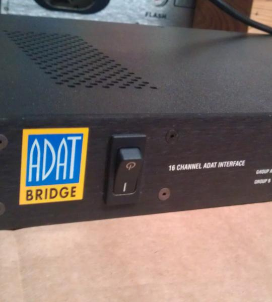 16 kanal adat prevodnik Digidesign Adat Bridge