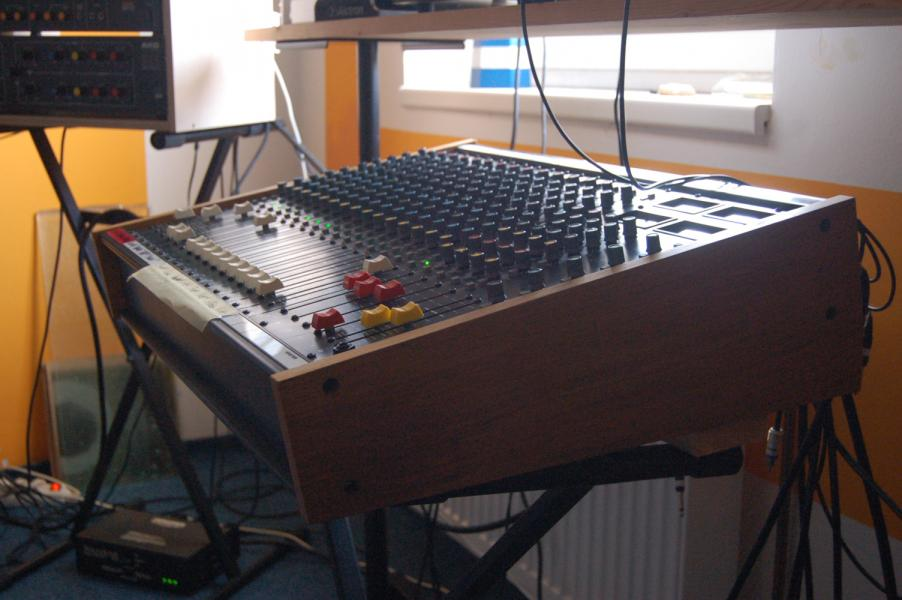 SOUNDCRAFT SR200
