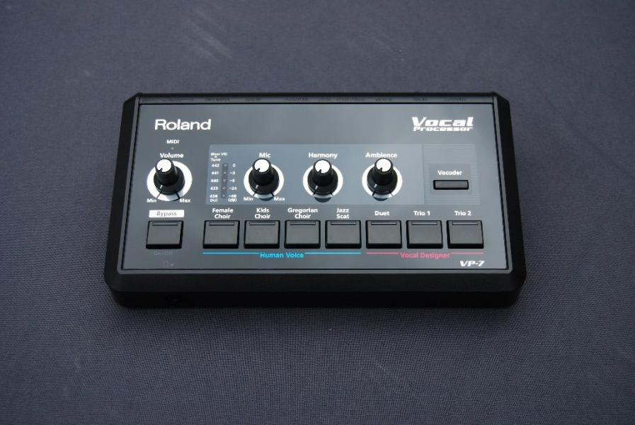Roland VP7 Vocoder/Vocal Processor/Harmonizer