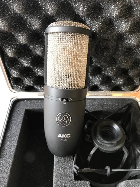 AKG Perception 420  REZERVCE