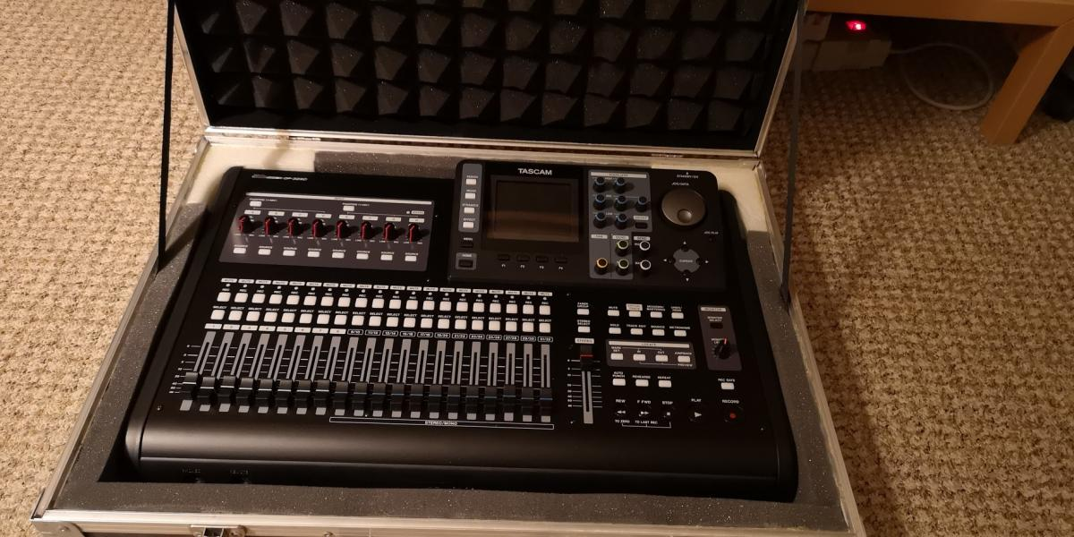 Tascam-Portastudio DP 32SD
