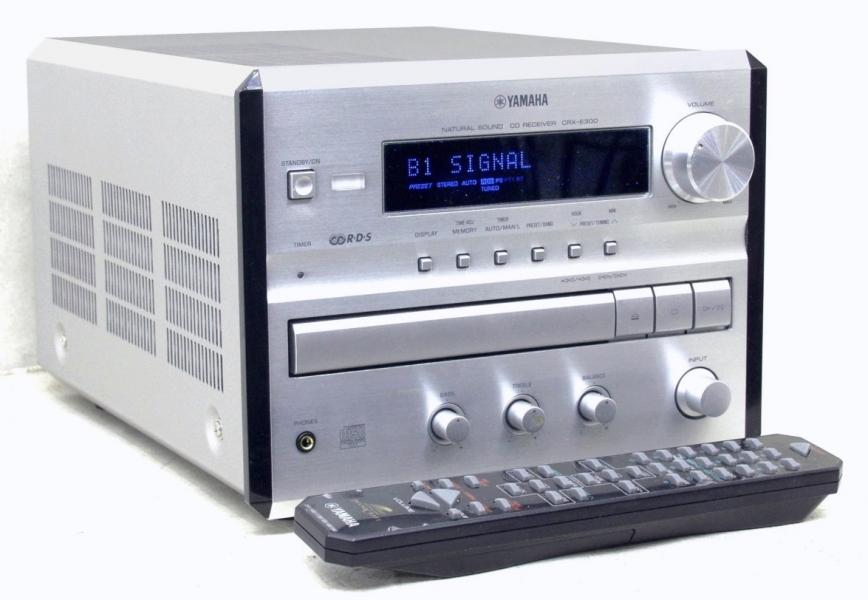 RDS receiver / CD-přehrávač YAMAHA serie Piano Craft