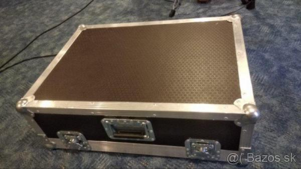 Case na Allen & Heath QU-16