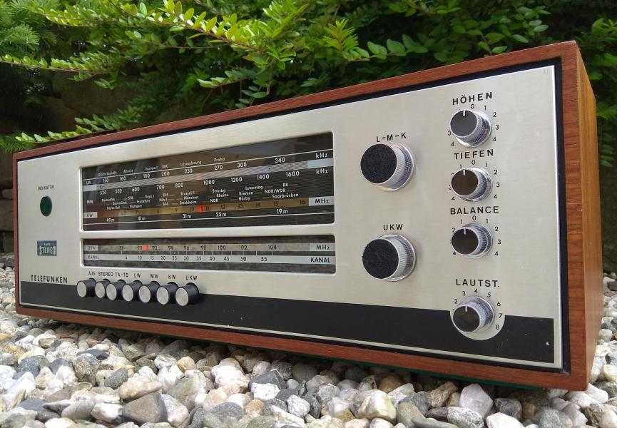 FM stereo receiver TELEFUNKEN Operette Stereo 2650 - Made in Germany - 1965