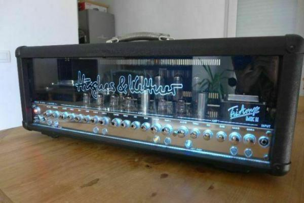 Hughes and Kettner TriAmp MK2 s footswitchem